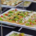 kanapki różnego rodzaju - z serem, szynką lub musem z twarożku - catering dla firm Warszawa