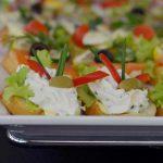 Kanapki z twarożkiem z ziołami i oliwkami - catering dla firm Warszawa
