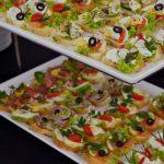 kanapki z jajkiem, oliwkami i warzywami lub z twarożkiem, rzodkiewką i sałatą - firma cateringowa warszawa