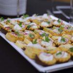 Usługi cateringowe - Tartinki z twarożkiem i rzodkiewką