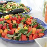 Dlaczego warto zamówić catering na konferencję lub szkolenie?