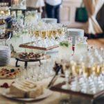 Dlaczego warto skorzystać z cateringu okolicznościowego?