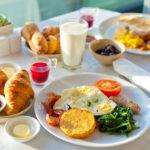Jak powinno wyglądać pełnowartościowe menu śniadaniowe?